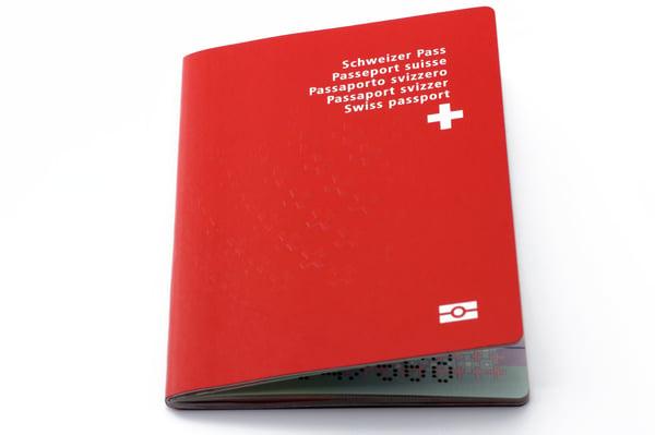 Checkliste-Koffer-Gepäck-fotolia