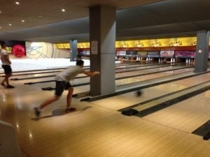 2016-excursion+bay_street_bowling_hard_rock+students2