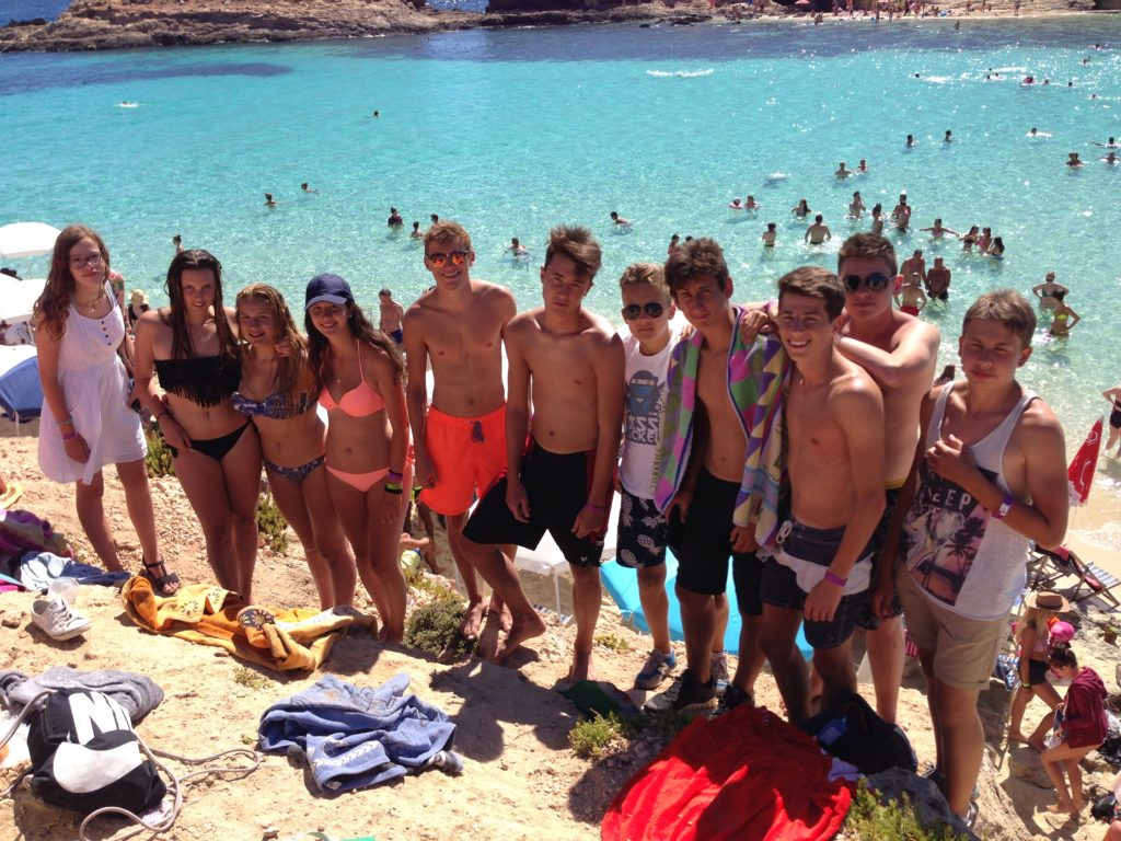 2016-excursion+comino_and_blue_lagoon1+students1+group_pics11