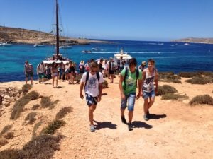 2016-excursion+comino_and_blue_lagoon1+students1+group_pics6