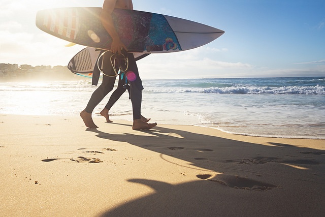 cambridge-exams-australien-surfen-fotolia
