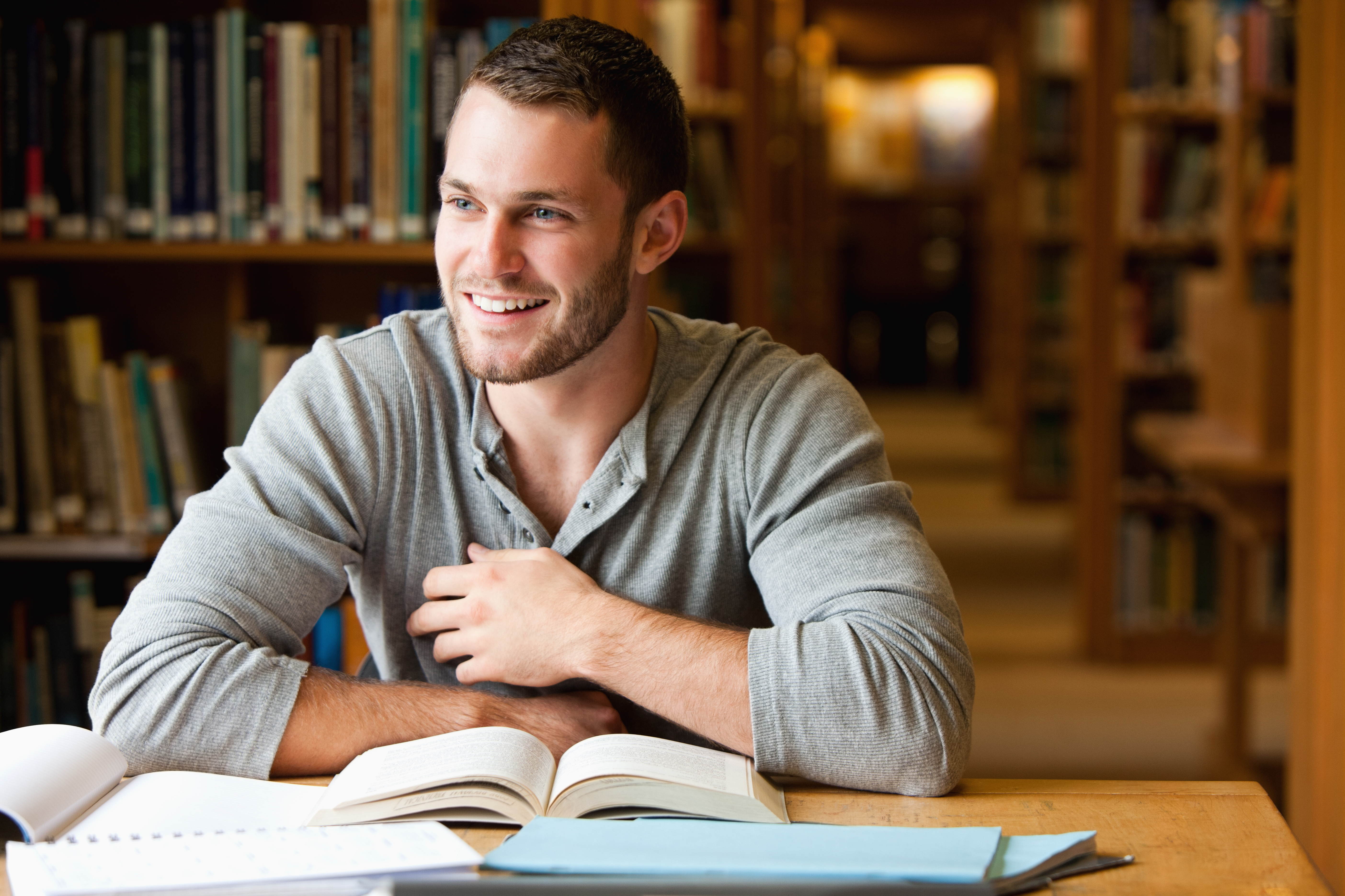 Volle Konzentration: 6 Tipps gegen Ablenkungen beim Lernen